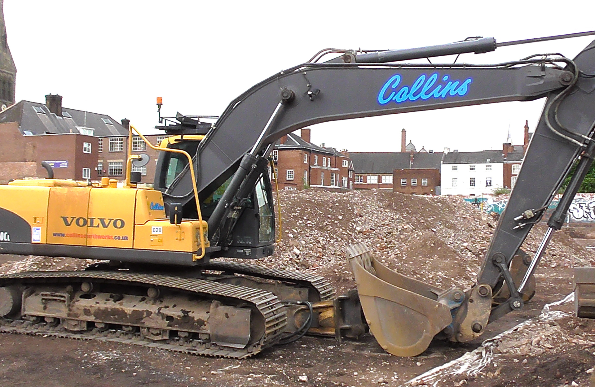 Building machinery, excavations of vacant ground in urban centre